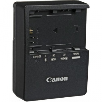Canon LC-E6 Compact Battery Charger for the LP-E6 Battery Packs (Canon EOS 5D Mark II, 5D Mark III, 60D & 7D Digital SLR Cameras Battery Charger)
