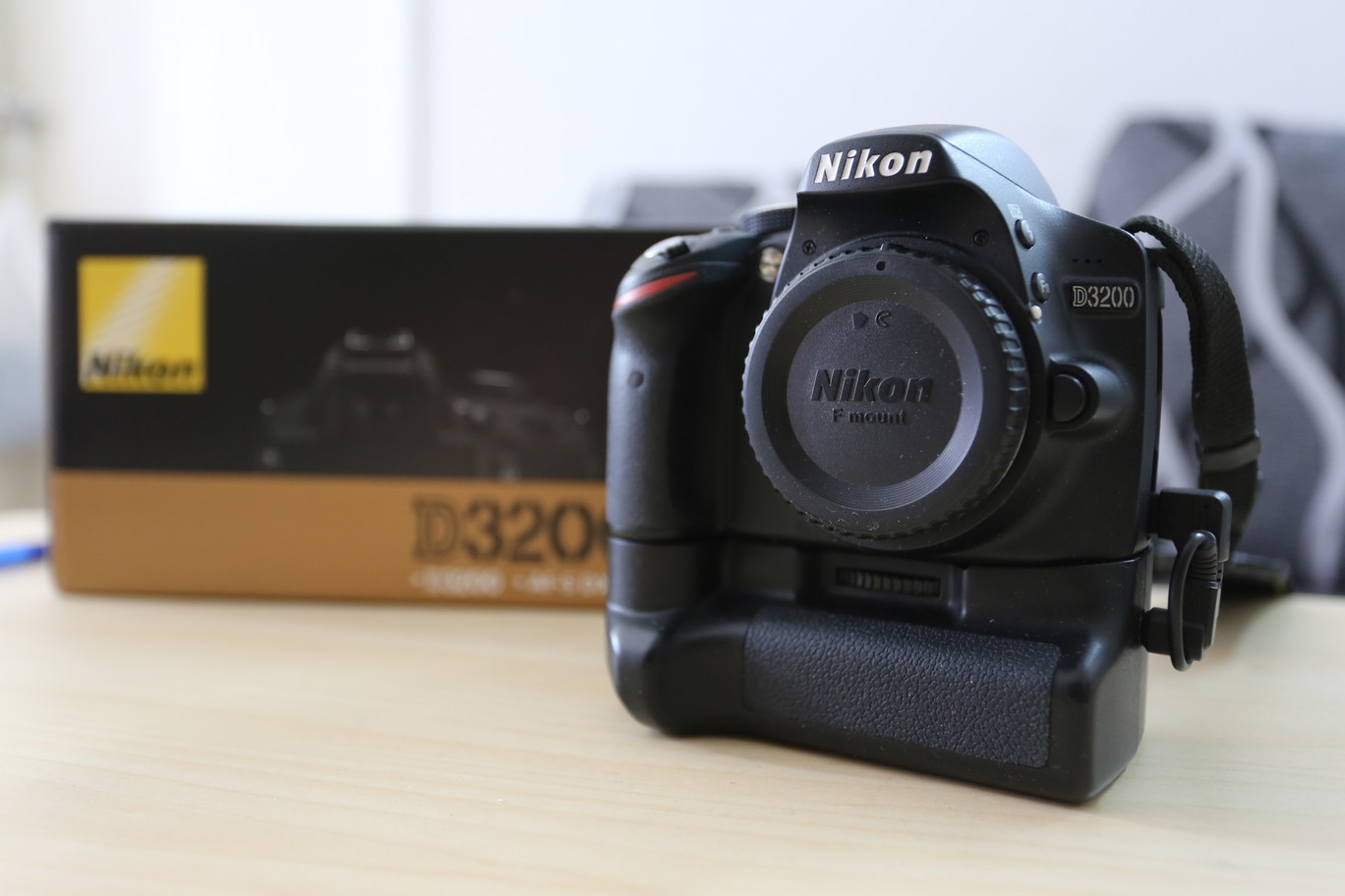 Image gallery nikon d3200 battery grip