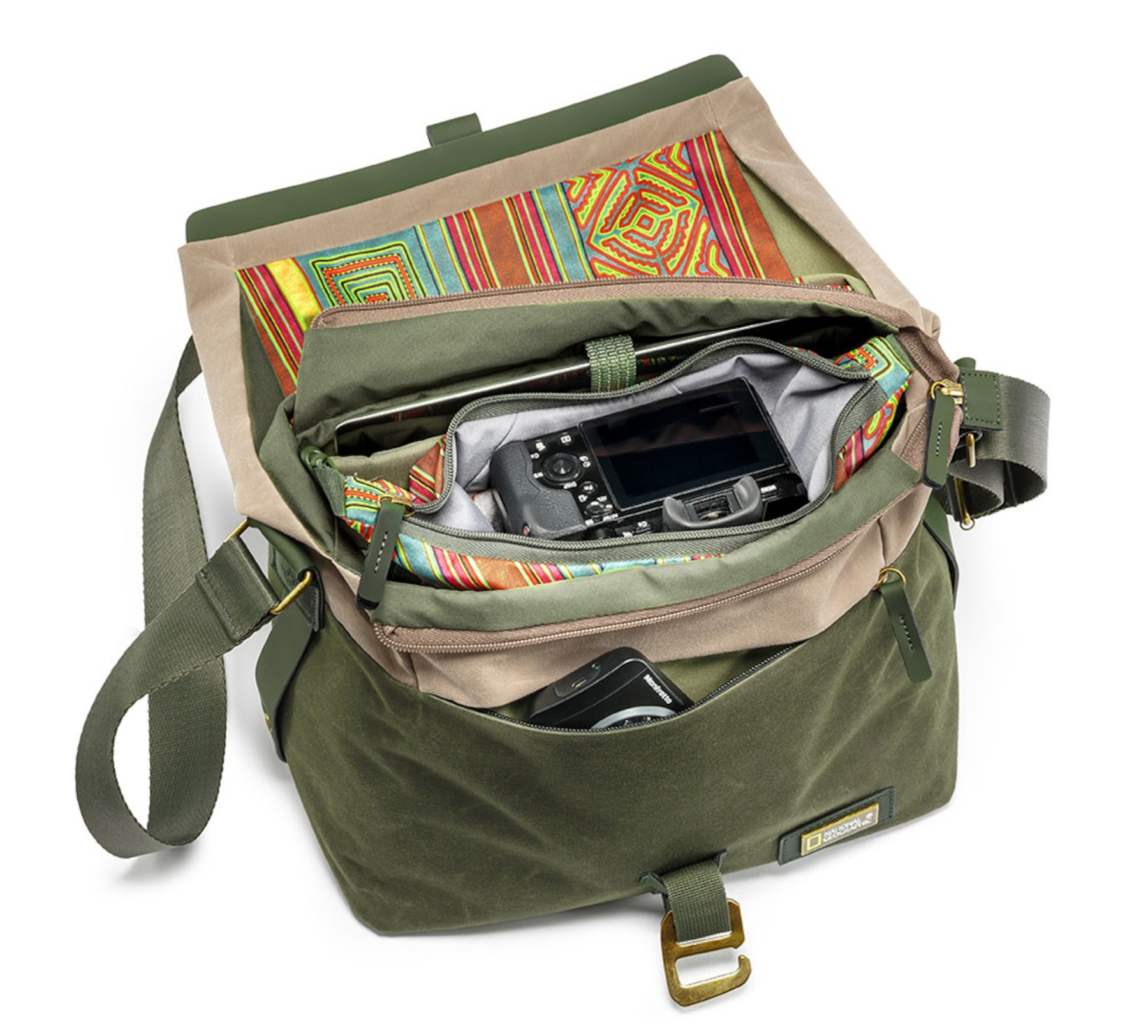 9c77eae6b3 National Geographic Rain Forest camera messenger S for CSC NG RF 2350