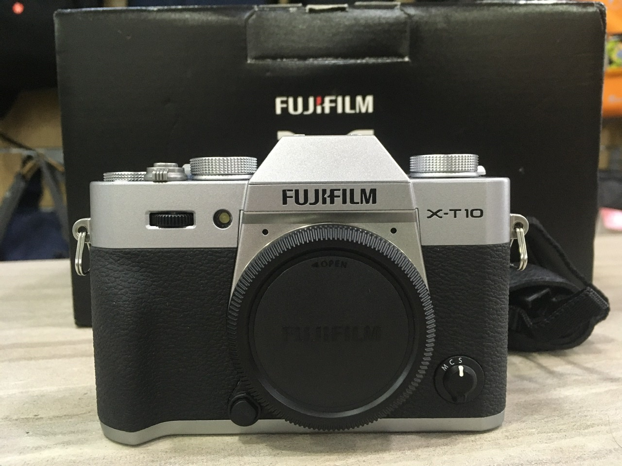 Used - Fujifilm X-T10 Mirrorless (Body Only) (Silver)